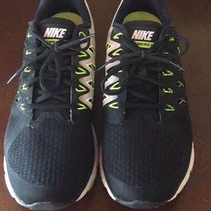 Nike Vomero 9 (Nike zoom)